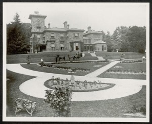 The formal design of semicircular garden and diagonal paths was created in the late 19th century.