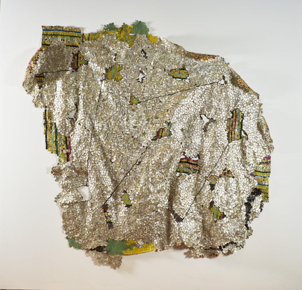 El Anatsui (Ghanaian, born 1944), Another Place (full view and detail), 2014. Found aluminum and copper wire, 283.2 × 284.5 cm. Museum purchase, Fowler McCormick, Class of 1921, Fund and Sarah Lee Elson, Class of 1984, Fund for the International Artist-in-Residence Program at the Princeton University Art Museum. c 2015 El Anatsui